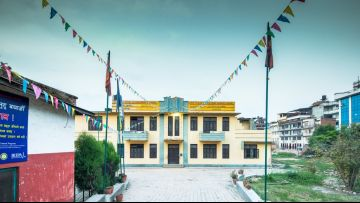 New technology helping rebuild Nepal's quake-hit schools better, and faster